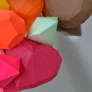 Diamonds papercraft template – Free!